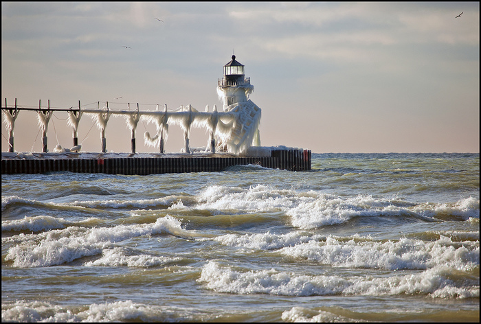 23-StJosephMichiganLighthouse